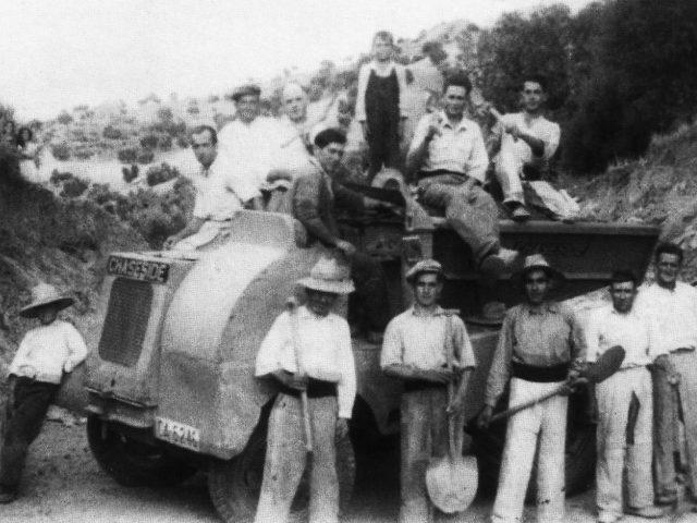 Operarios que trabajaron en la construcción de la Víaposan ante la cámara